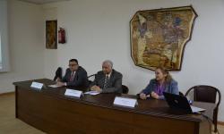 رئيس الجامعة يفتتح أعمال التطوير بكلية السياحة والفنادق