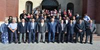 رئيس جامعة الإسكندرية يكرم طلاب مشروع الخرسانة المسلحة و