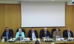 رئيس جامعة الاسكندرية يلتقي مجلس كلية الآداب