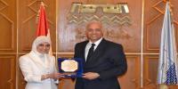 جامعة الاسكندرية تكرم الدكتورة نهال الشقنقيري تقديرًا لاسهاماتها في خدمة المجتمع