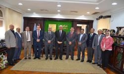 رئيس جامعة الاسكندرية يستقبل فريق وحدة إدارة المشروعات بوزارة التعليم العالي