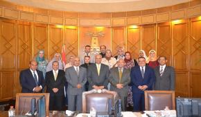 مجلس جامعة الإسكندرية يكرم العاملين بمستشفى الطلبة