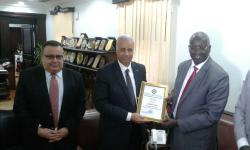 Alexandria University receives South Sudan Ambassador