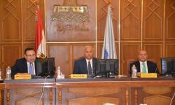 بالصور.. جامعة الاسكندرية تكرم النائبين السابقين لرئيسها