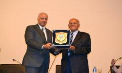 Dr. Magdi Yacoub: la expansión del nuevo centro médico en Aswan para convertirse en una ciudad científica en el Nilo